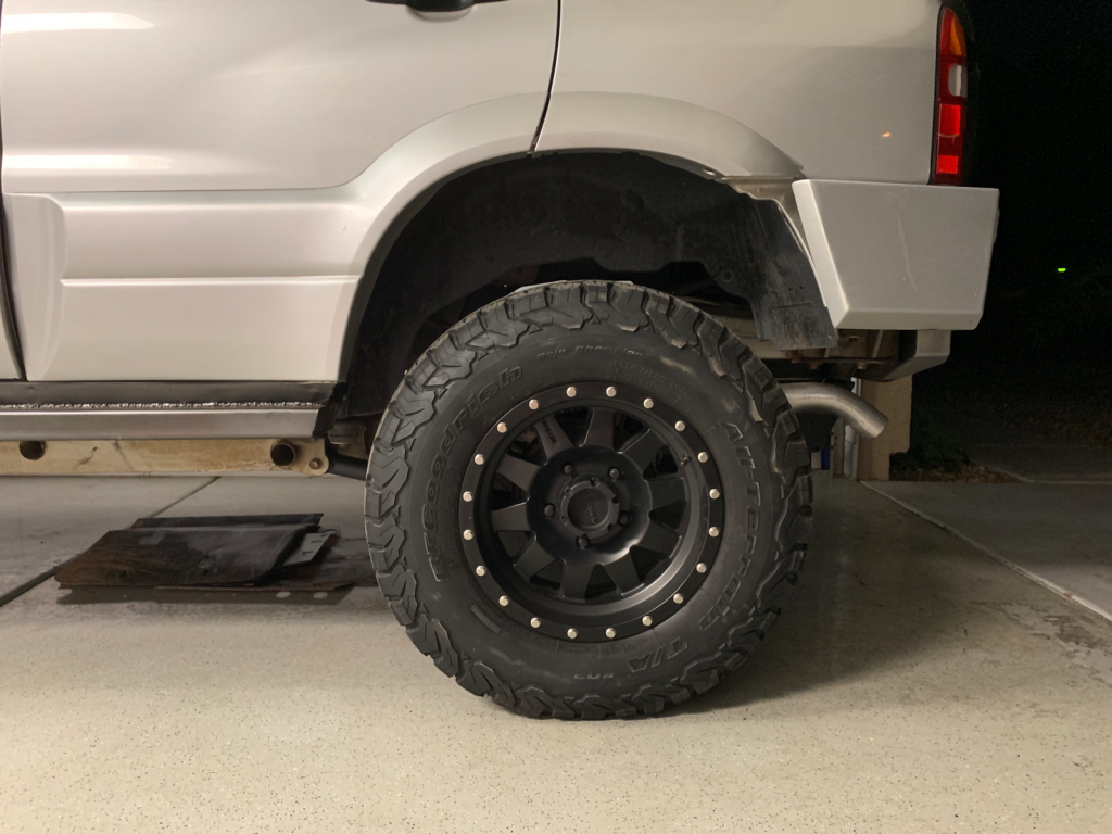 "Altered Ego 4.5"" lift kit rear tire clearance on a 2000 Suzuki Grand Vitara with 245/75/16r tires"