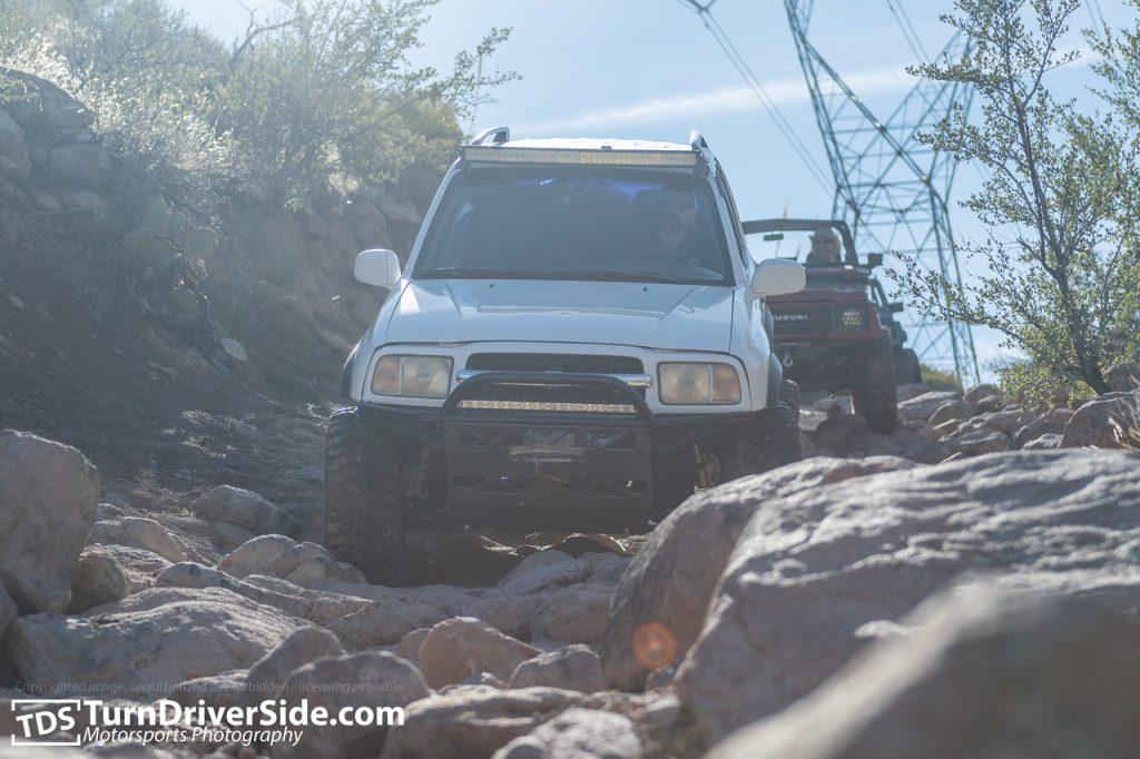 Suzuki Grand Vitara going down hackberry creek trail